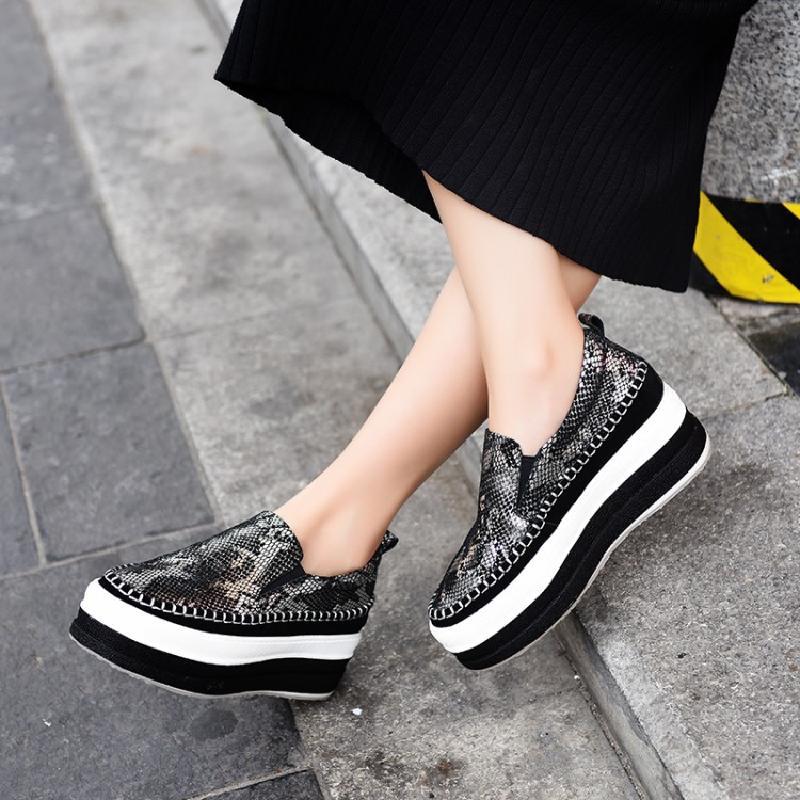 蛇纹松糕女鞋