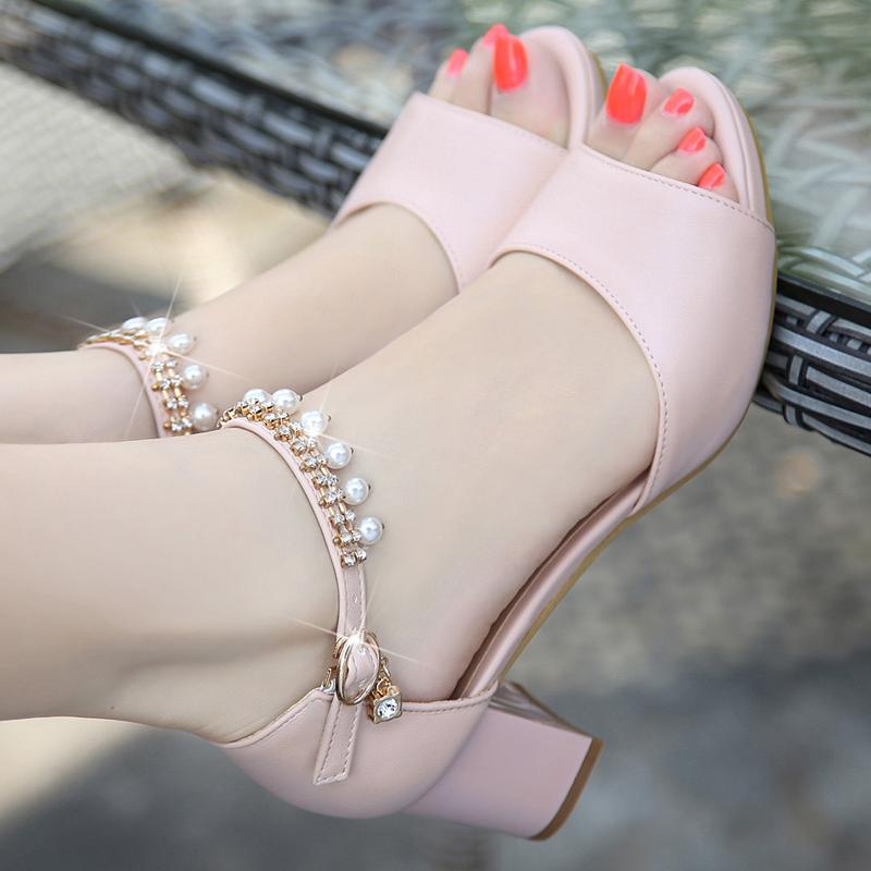 一字扣粗跟粗跟防水台女凉鞋
