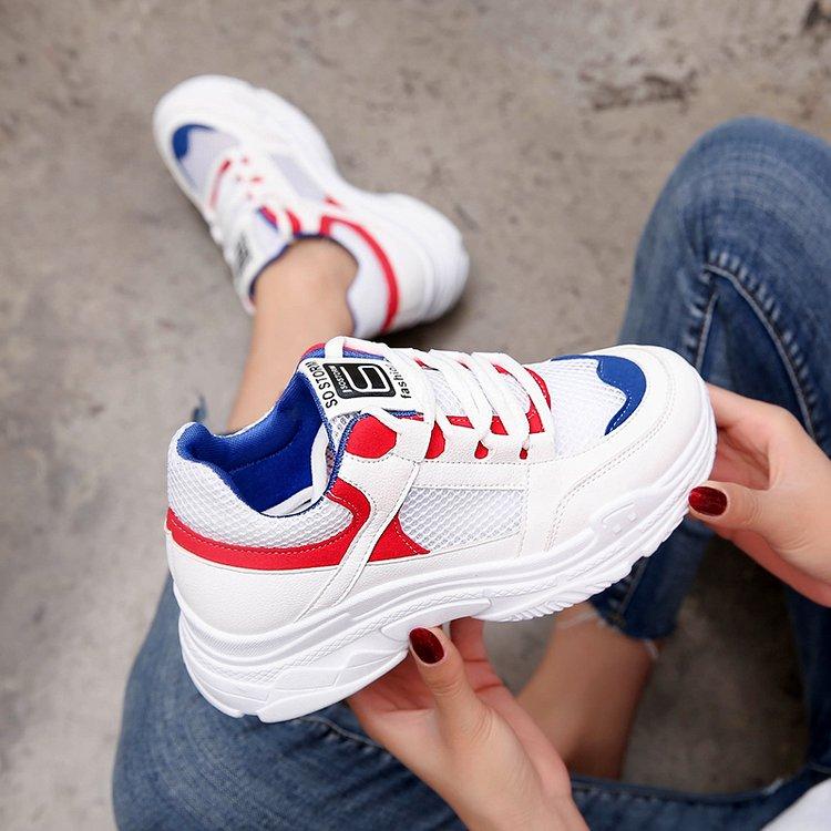 红色鞋运动鞋女