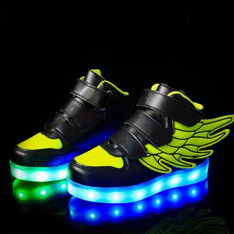 充电纯色运动鞋