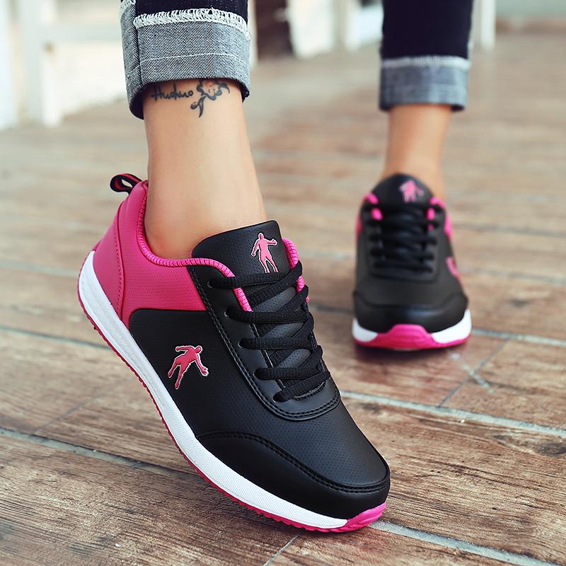 狄威 乔丹女鞋春夏皮面休闲鞋平底学生运动鞋女板鞋透气跑步鞋361