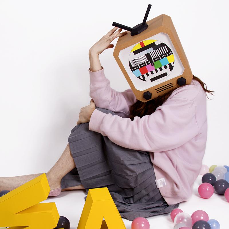 纸无限创意家居怀旧电视机北欧ins风格折纸模头套面具DIY摆件道具