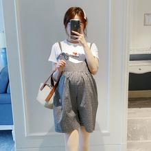 时尚 孕妇春季裤 子2019新款 格子百搭背带短裤 夏天外穿大码 宽松韩版