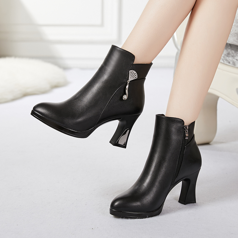 莫兰百丽短靴女2018秋冬季新款鞋子女高跟女鞋粗跟马丁靴女单靴女