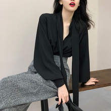 Xxoossoo2018 early autumn new lazy wind chic early autumn float led black women's missing shoulder clavicle shirt