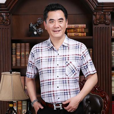 中年男士短袖衬衫宽松版大码男装半袖中老年爸爸装格子休闲衬衣