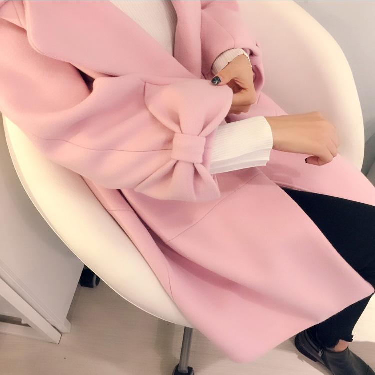粉色蝴蝶结大衣