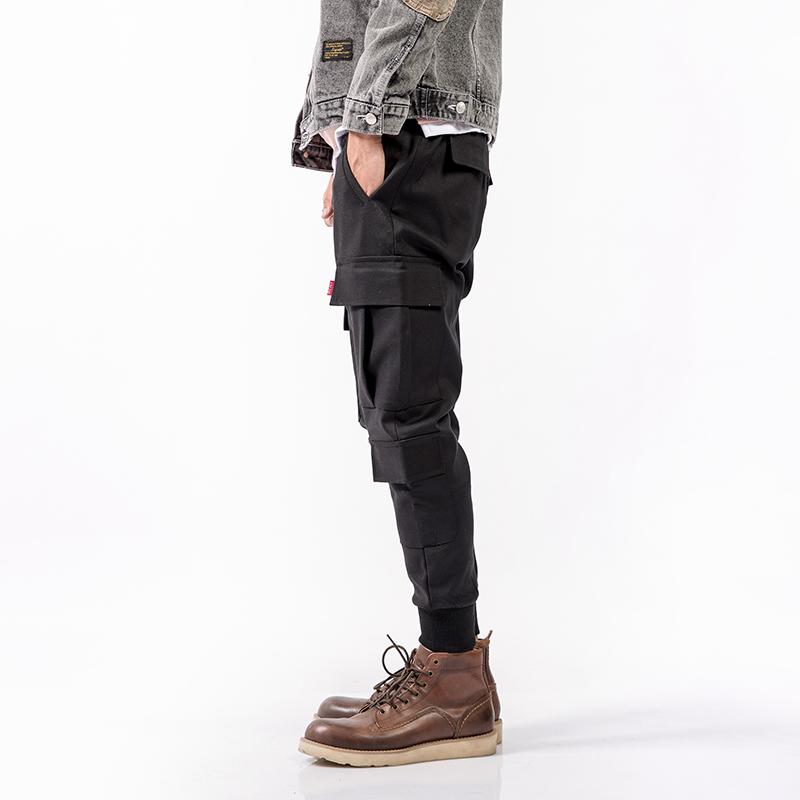 黑色多口袋休闲裤