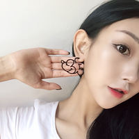 Simple temperament cartoon Mickey earrings Line metal texture Mickey Mouse earrings Student earrings 7P-127E