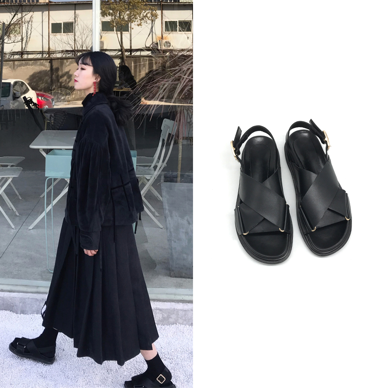 黑色凉鞋松糕