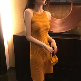 大美同款裙子成熟气质女生修身显瘦芒果黄漏两肩挂脖吊带连衣裙潮