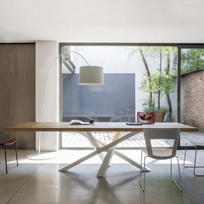 北欧设计师6人小户型长方形现代简约餐桌客厅饭桌铁艺实木大餐桌