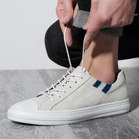 2018春季小白鞋男新款时尚休闲鞋男韩版潮鞋真皮板鞋百搭低帮鞋男