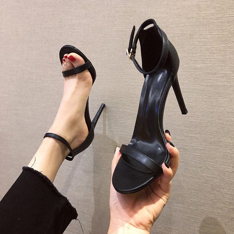 时尚白色一字扣带凉鞋2019新款夏季百搭高跟鞋细跟黑色女鞋仙女风