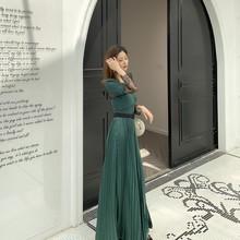 百褶连衣裙子拖地绿色V领礼服 欧美秋冬新款 蕾丝拼接女神长裙长袖图片