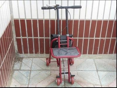 包邮特价带轮带坐老年购物车带凳拐棍老人拐杖四脚手杖折叠拐杖凳