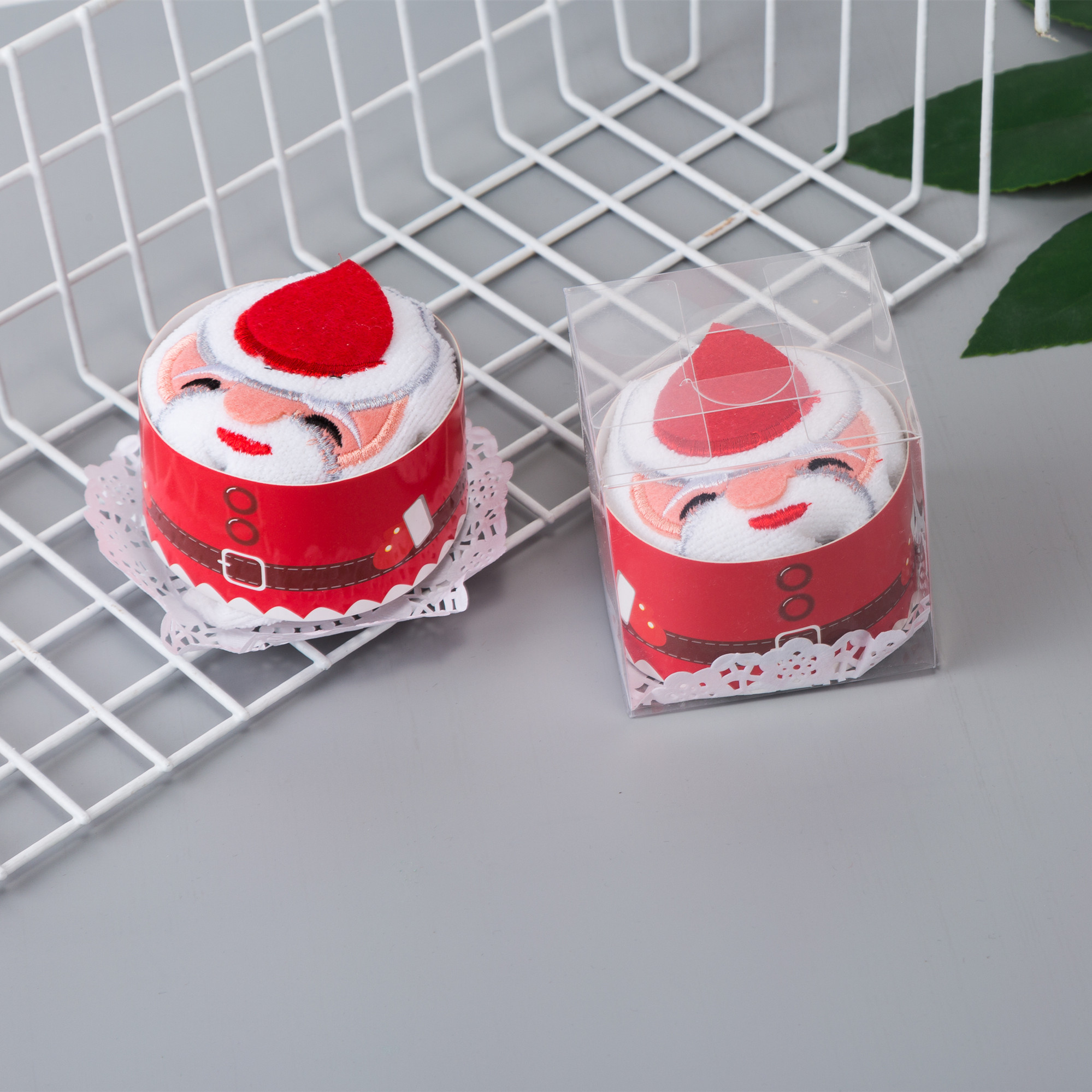 Christmas creative small gifts wholesale practical return cake shape small towel children's students