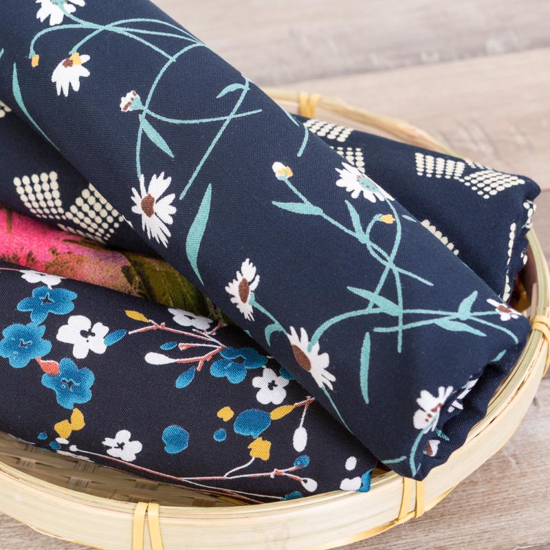 人造棉 夏季小碎花棉绸布料 雕印 棉绸绵绸 碎花连衣面料绵绸布头