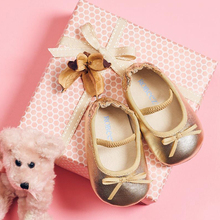 Robeez American spring and summer suede skin breathable soft fashion ballet infant and toddler shoes