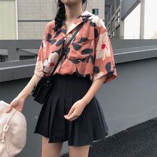 2019夏季韩版chic复古印花宽松显瘦翻领短袖衬衫女开衫半袖上衣潮