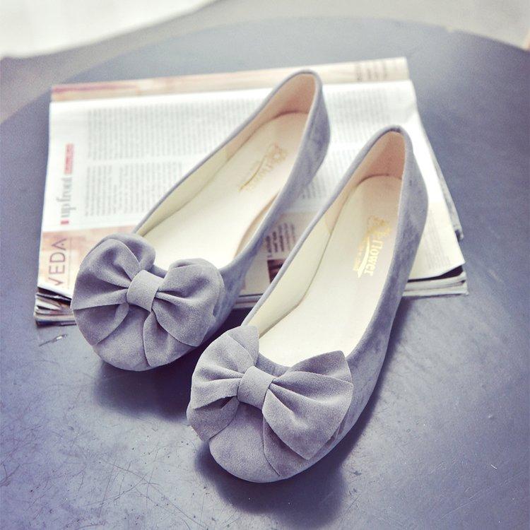 粉色豆豆鞋甜美