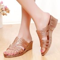 夏季中跟坡跟妈妈鞋透明水晶果冻沙滩凉拖鞋塑料韩版女士防滑凉鞋