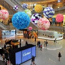 春季美陈商场中庭吊饰珠宝店4s店展厅装饰仿真玫瑰大花球开业布置