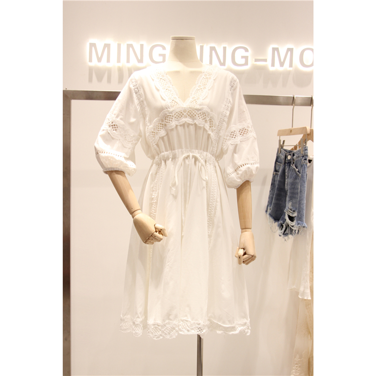 棉布蕾丝镂空裙