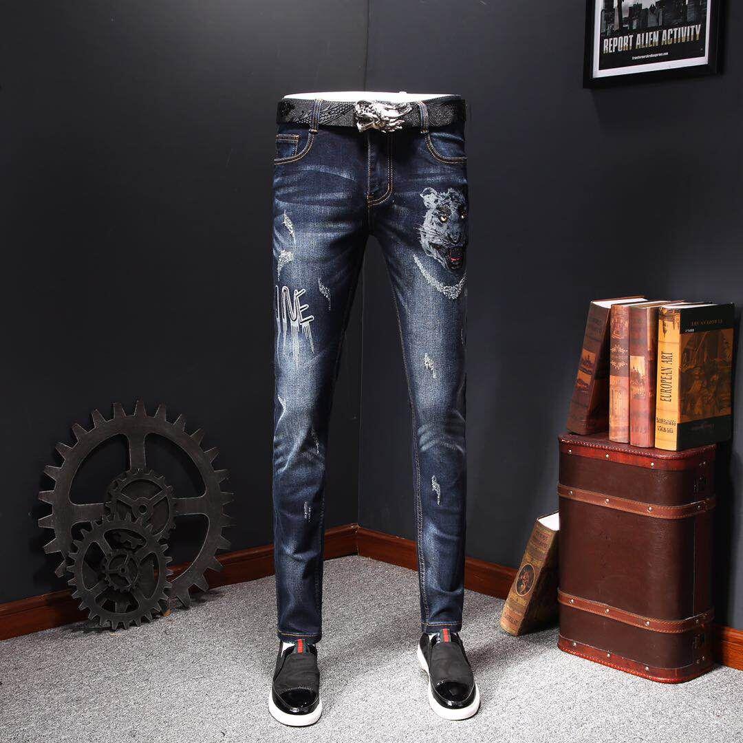 牛仔裤绣动物