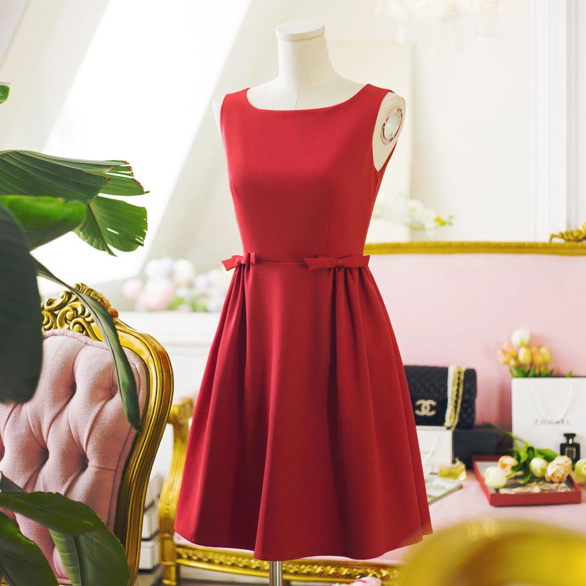 大红色连衣裙婚礼
