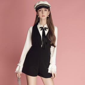 蝴蝶结系带拼接蕾丝衬衫+连体背带短裤套装