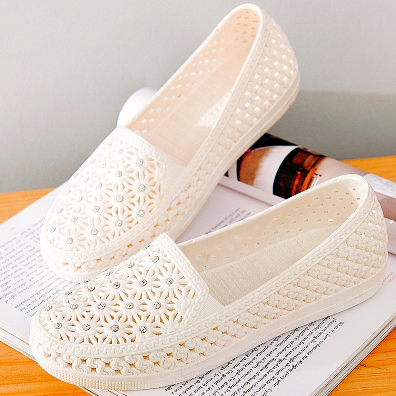 包邮夏季塑胶凉鞋女护士鞋洞洞鞋白色塑胶鞋防滑水钻沙滩鸟巢鞋女