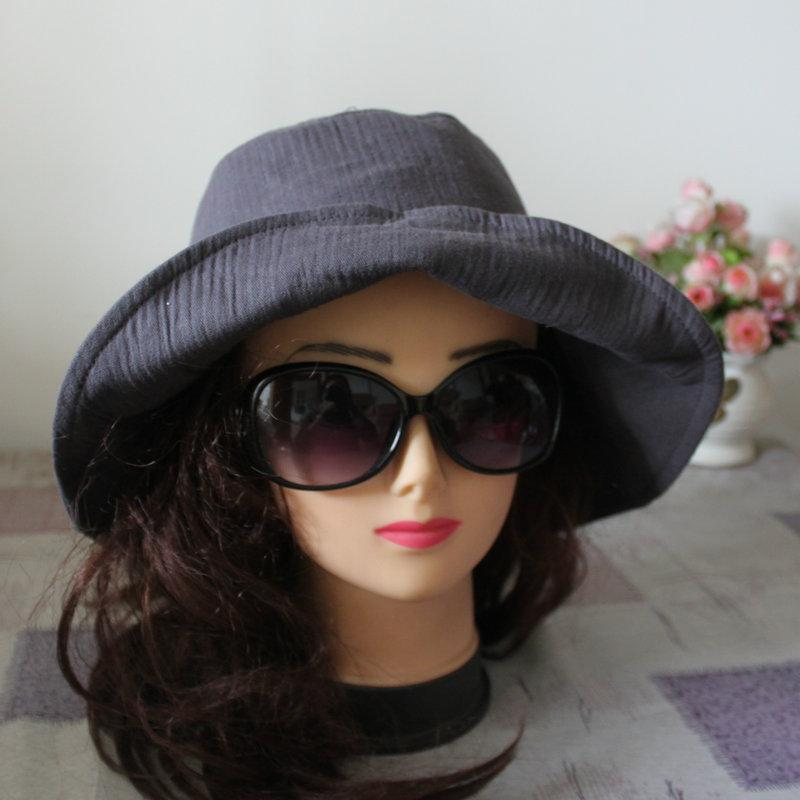 秋季灰色帽子