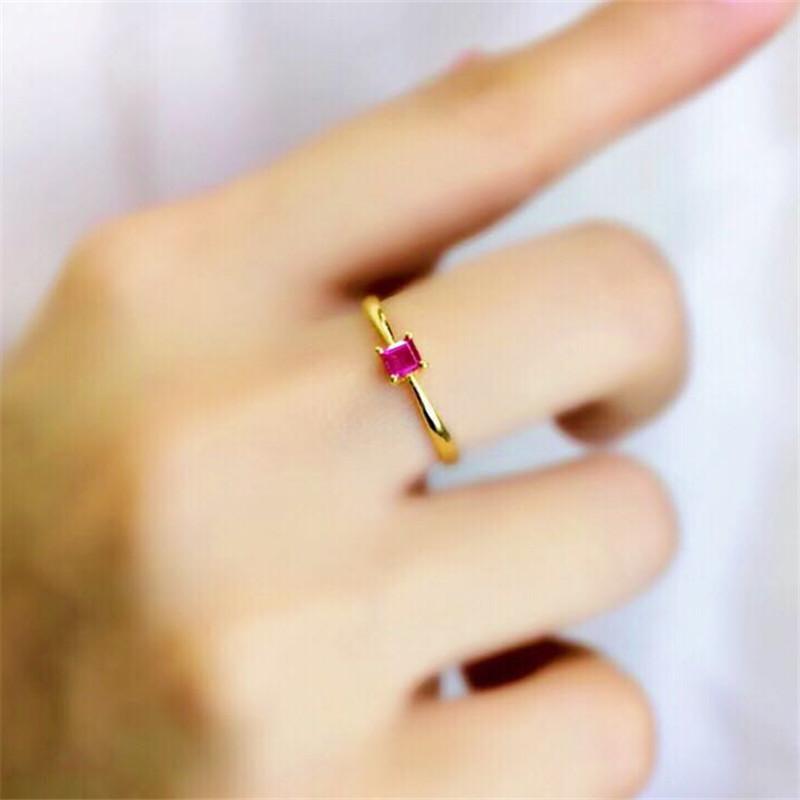 红宝石戒指黄金 镶嵌