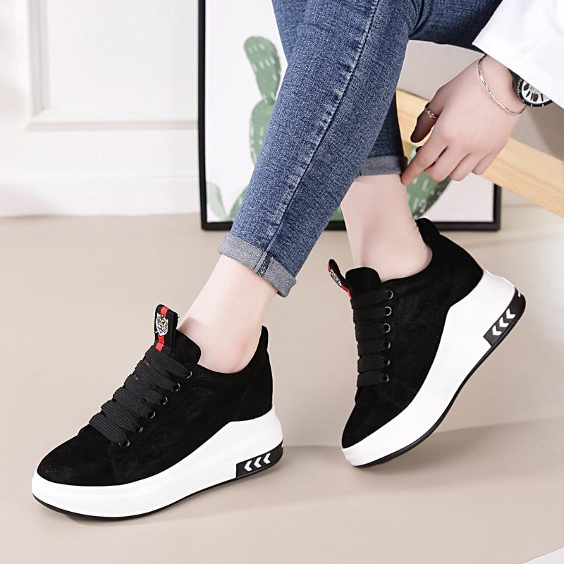 内增高黑色高帮鞋
