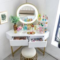 三角化妆桌梳妆台转角卧室化妆台少女家用小户型墙角书桌简约现代