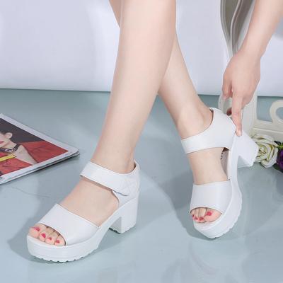 2018夏季韩版中跟防水台凉鞋坡跟女学生粗跟松糕厚底鱼嘴高跟大码
