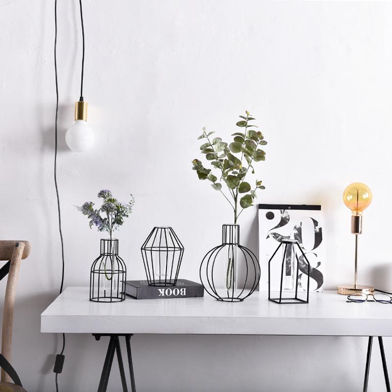 客厅铁艺花瓶