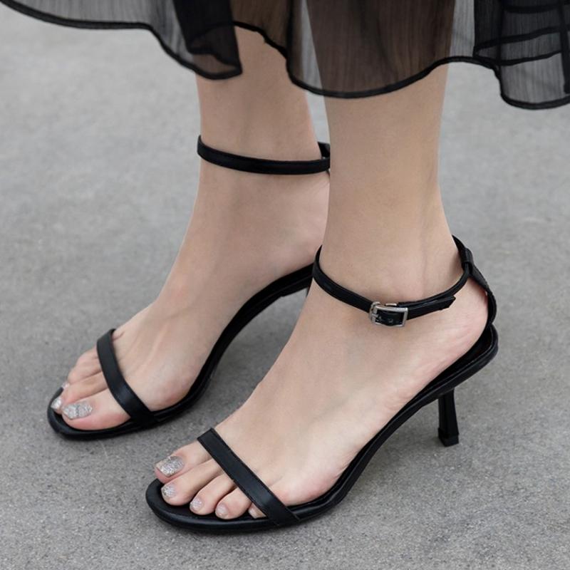 2019夏季新款仙女风一字带凉鞋女中跟黑色简约百搭性感细跟高跟鞋