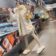 冬の新型倣2018狐大毛襟刺繍棉服女中長め綿入れの肥厚コートダウンコート