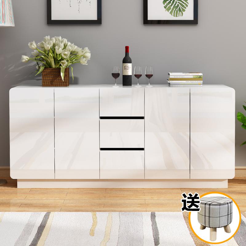 白色厨房储物柜