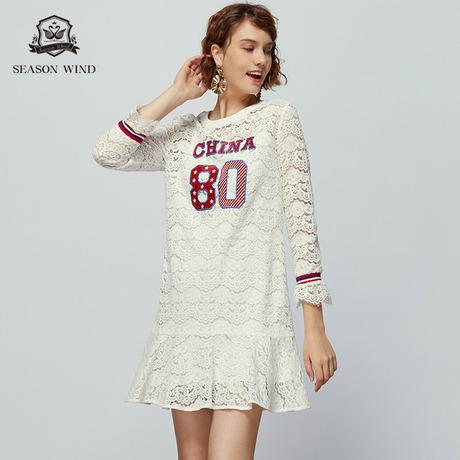 季候风2019春季新款中长款圆领贴布蕾丝荷叶边长袖连衣裙女商品大图