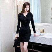秋冬新款长袖性感女装裙子成熟风气质修身黑色紧身包臀打底连衣裙