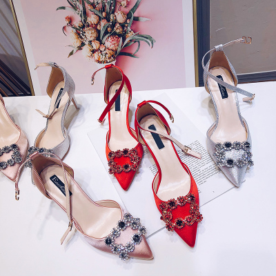 2018新款女鞋 红色细跟中空一字扣带水钻单鞋裸色高跟鞋新娘婚鞋