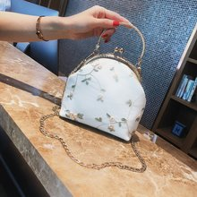Vintage lace mouth gold bag fabric handmade three-dimensional embroidery flower handbag with cheongsam bag lady small bag