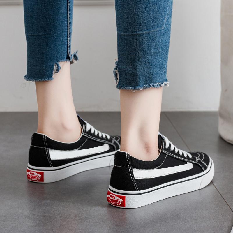 2018秋季新款小黑帆布女鞋韩版潮学生布鞋百搭ins街拍小白板鞋子