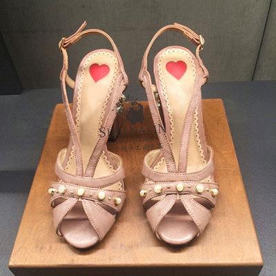 2018夏季新款欧美时尚真皮女鞋铆钉珍珠高跟鞋羊皮鱼嘴粗跟凉鞋女