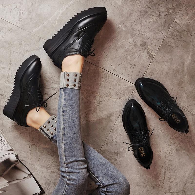 厚底尖头女皮鞋