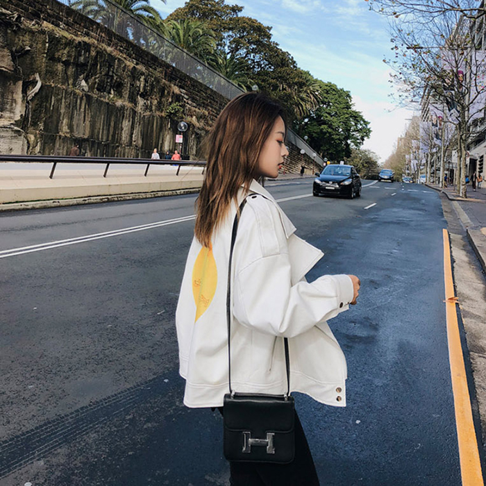 2018 autumn and winter clothing new Korean fashion wild leather female student short coat complex