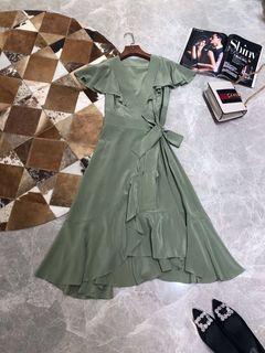 站2019夏季新款高端女装 时尚V领侧绑带收腰荷叶袖真丝气质连衣裙